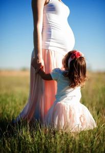 pregnant-690735_1280