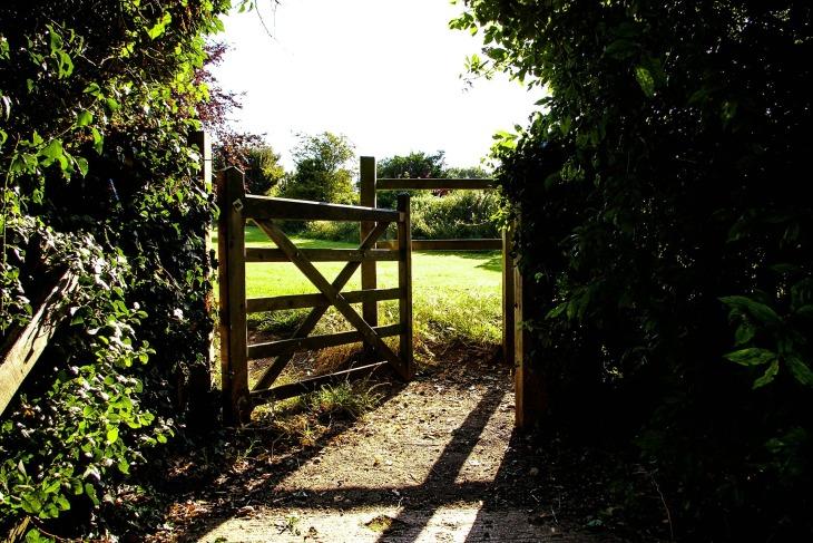 gate-419890_1920