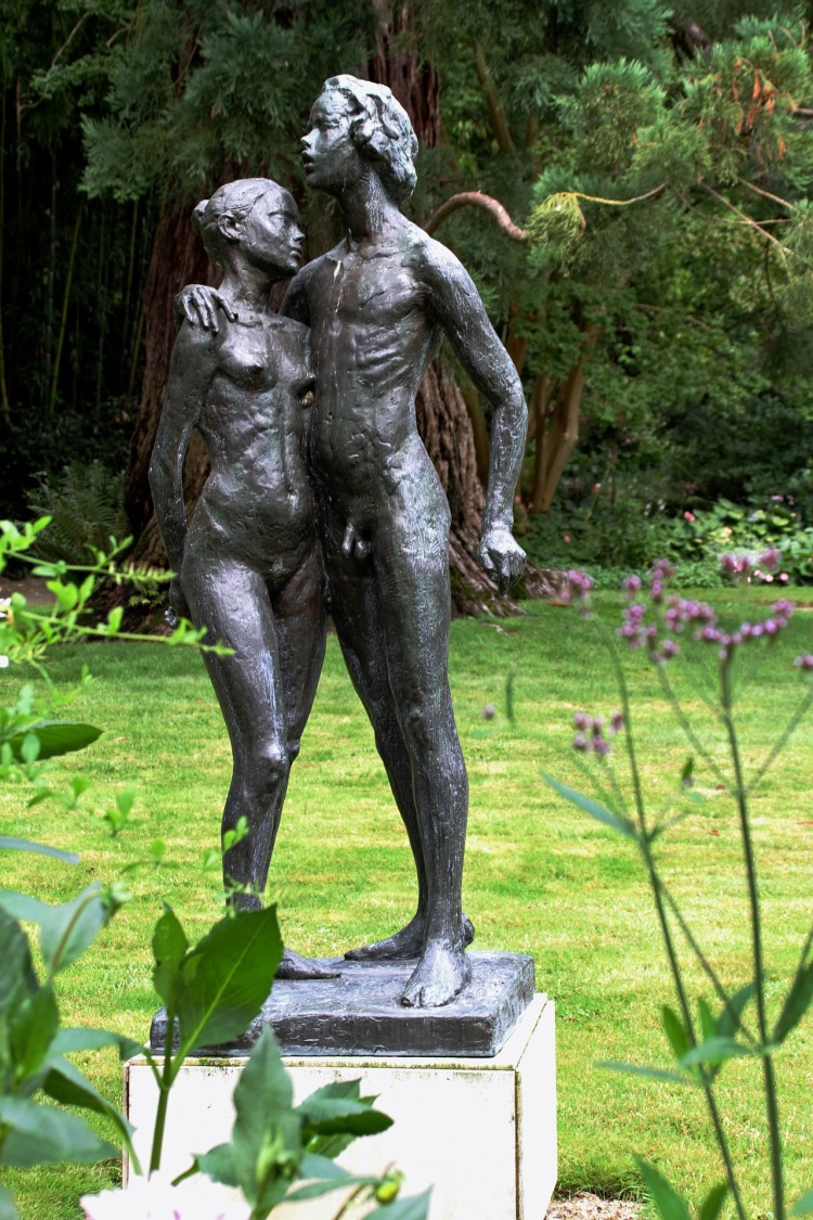 sculpture-3185623_1920